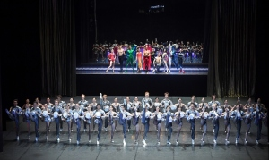 Gala-Finale: Die Superhelden des Stuttgarter Balletts und das gesamte Ensemble, Foto: Stuttgarter Ballett